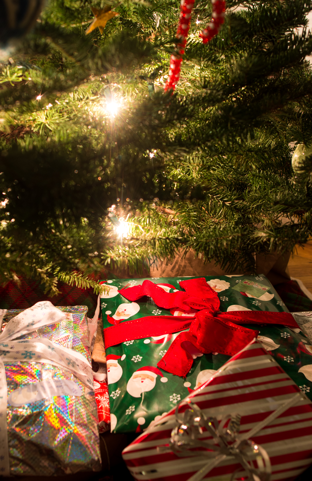 christmas traditions when do you open presents far out city - When Do You Open Christmas Presents