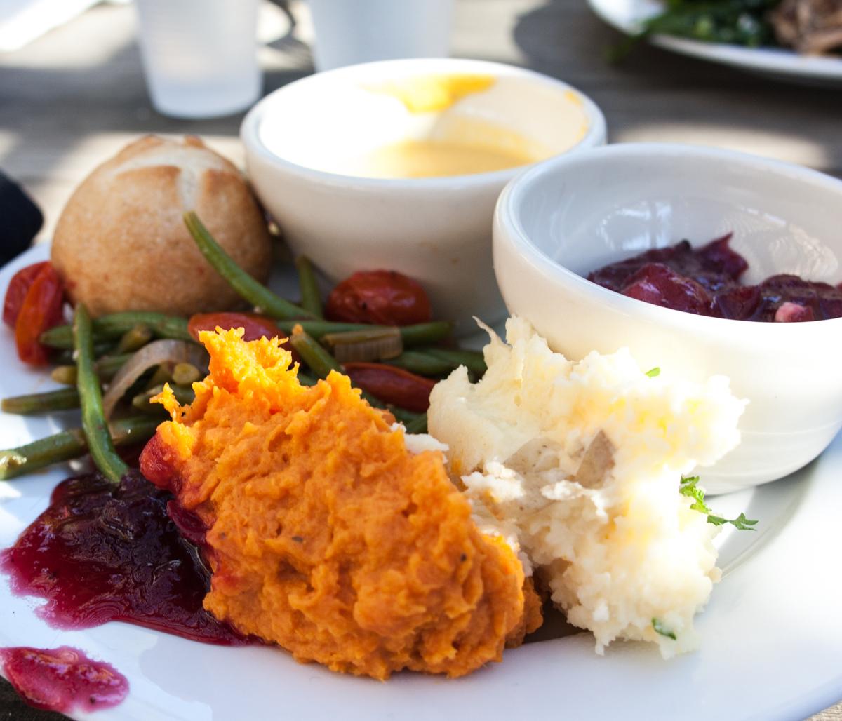 thanksgiving_dinner_safari_west