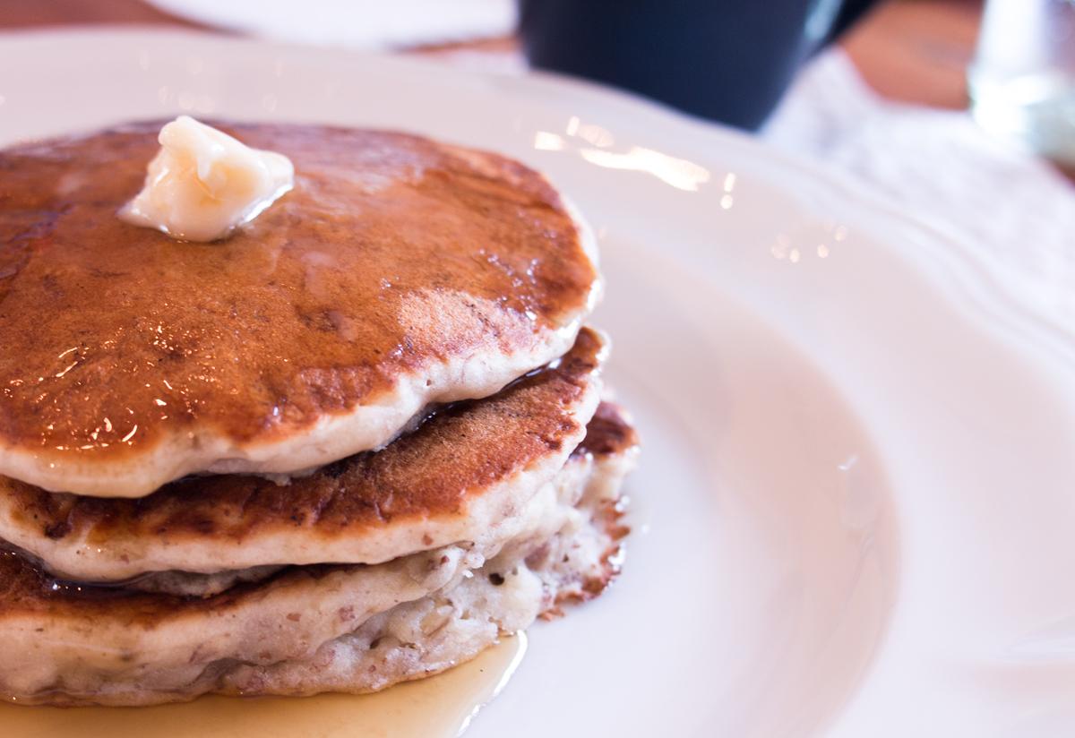 vegan_banana_pecan_pancakes.jpg
